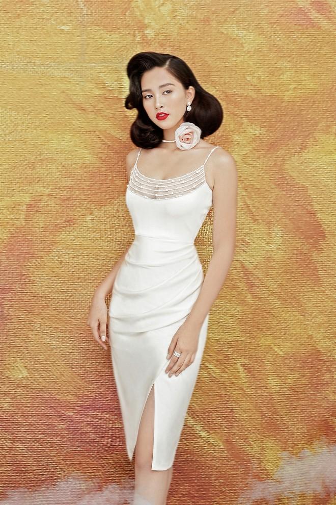 Hoa hậu Tiểu Vy gợi cảm và quyến rũ ở tuổi 19 - Ảnh 10.