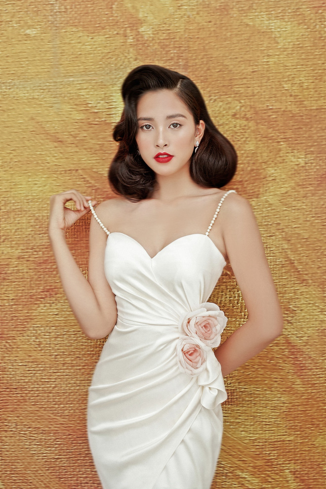 Hoa hậu Tiểu Vy gợi cảm và quyến rũ ở tuổi 19 - Ảnh 3.