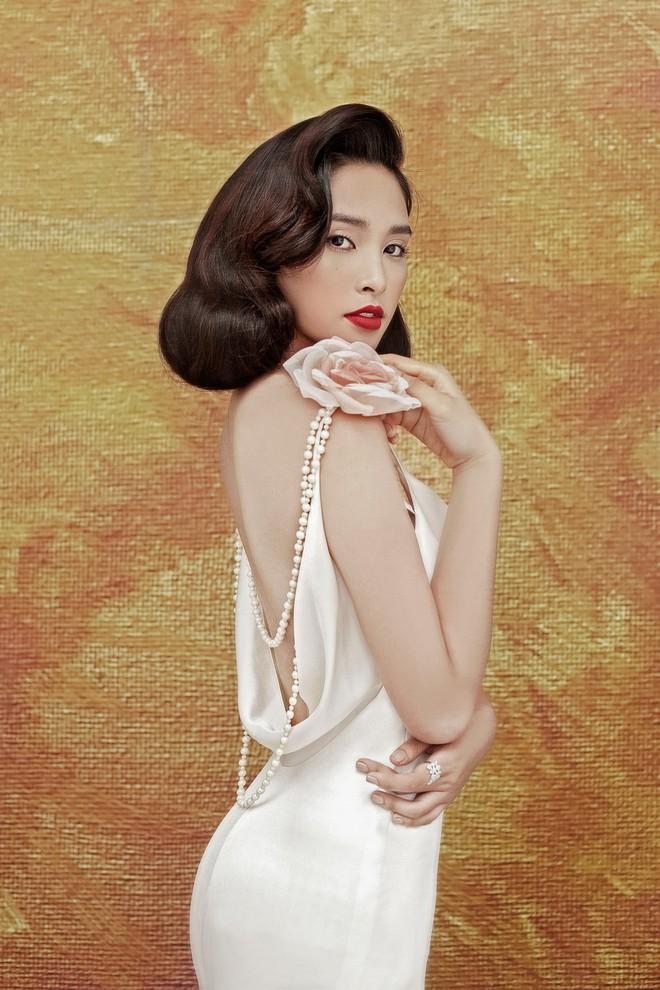 Hoa hậu Tiểu Vy gợi cảm và quyến rũ ở tuổi 19 - Ảnh 4.
