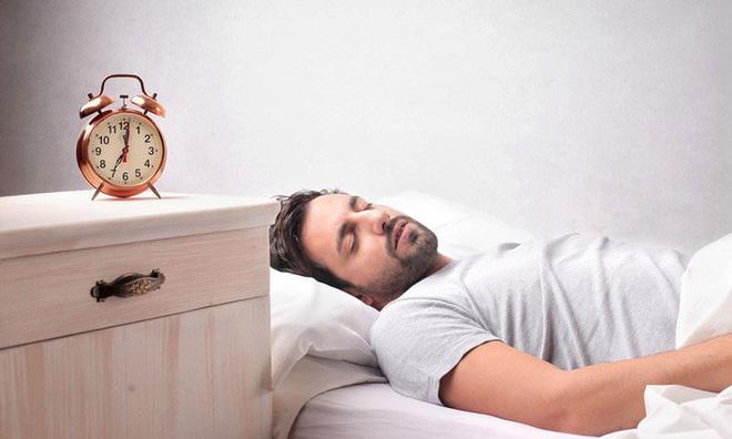 5 sai lầm trong cách sắp xếp phòng ngủ có thể khiến bạn bị chứng mất ngủ thường xuyên - Ảnh 2.