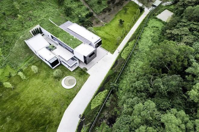 Ngôi nhà độc đáo không có mái giành huy chương vàng trong cuộc thi thiết kế nội thất - Ảnh 2.