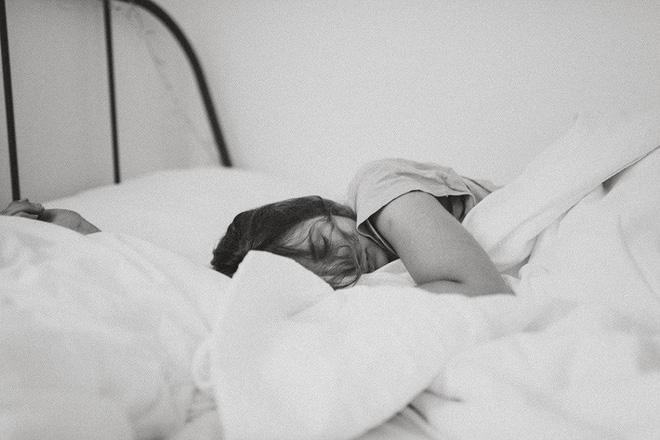 5 sai lầm trong cách sắp xếp phòng ngủ có thể khiến bạn bị chứng mất ngủ thường xuyên - Ảnh 3.