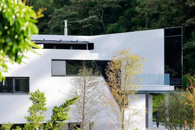 Ngôi nhà độc đáo không có mái giành huy chương vàng trong cuộc thi thiết kế nội thất - Ảnh 4.