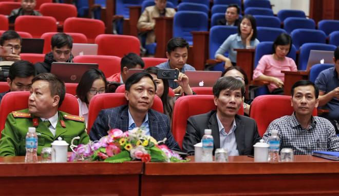 Quảng Ninh họp báo vụ chùa Ba Vàng: Đang thẩm định phát ngôn xúc phạm cô gái giao gà để xử lý theo luật - Ảnh 16.