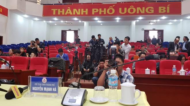 Quảng Ninh họp báo vụ chùa Ba Vàng: Đang thẩm định phát ngôn xúc phạm cô gái giao gà để xử lý theo luật - Ảnh 18.
