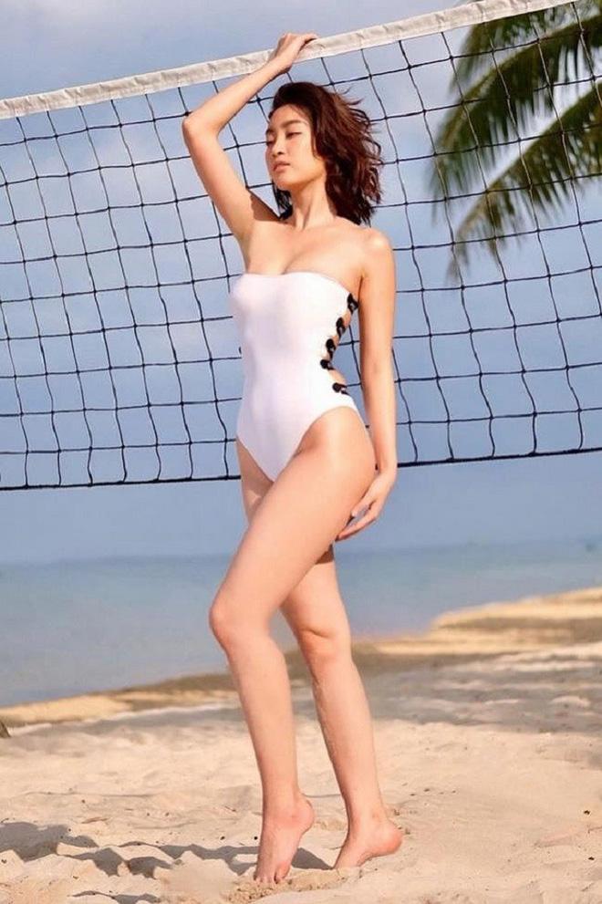 Midu, Khổng Tú Quỳnh cùng loạt mỹ nhân Việt thi nhau diện bikini đốt mắt khán giả - Ảnh 6.