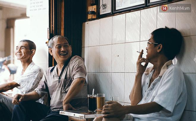 """Blogger du lịch nước ngoài nói rằng cà phê Việt Nam sẽ """"thay đổi cuộc đời bạn"""" và đây là những lý do vì sao"""