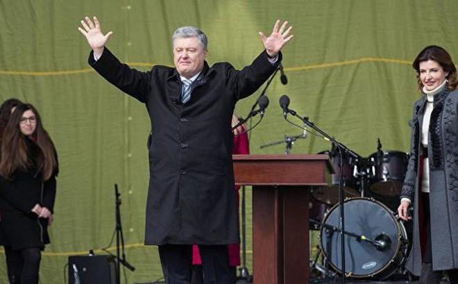 TT Poroshenko: Người dân Ukraine không việc gì phải quỳ gối, khóc lóc cầu xin ông Putin tha thứ