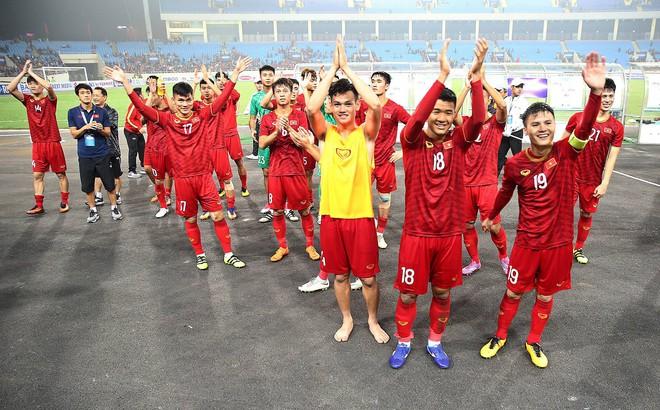 """U23 Việt Nam được thưởng nóng 1,5 tỉ đồng sau màn """"vùi dập"""" U23 Thái Lan"""