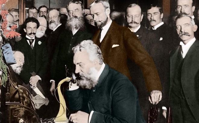 """Ngày này hơn 130 năm trước, """"ông tổ"""" của tất cả các loại smartphone chính thức ra đời"""