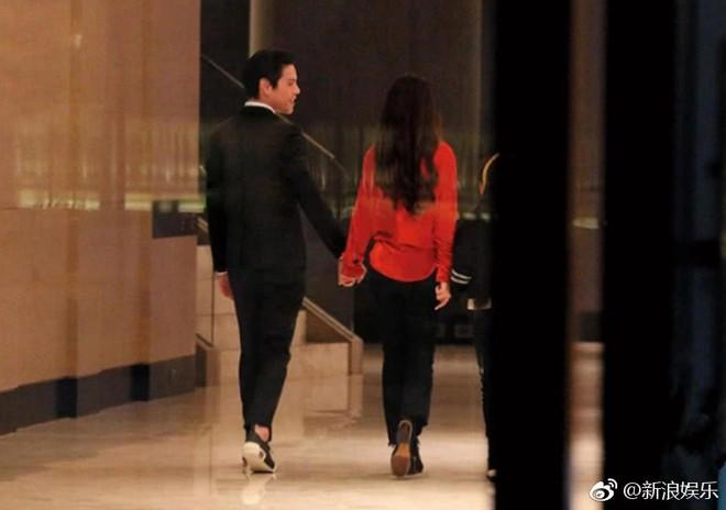 Bạn gái tin đồn của Seungri được con trai trùm showbiz Hong Kong cầu hôn, nhẫn kim cương khủng lộ diện - Ảnh 2.