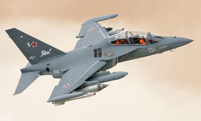 Nếu quốc gia Đông Nam Á này mua tiêm kích nhẹ Yak-130, Nga sẵn sàng ưu đãi lớn - Ảnh 1.