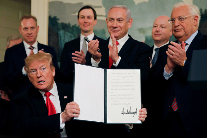 Tặng chủ quyền Golan cho Israel: TT Trump chấp nhận đẩy Trung Đông vào lửa để thắng cử 2020? - Ảnh 1.