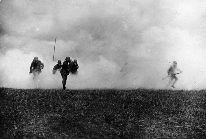 Ảnh hiếm về các loại vũ khí và công nghệ sử dụng trong Thế chiến I - Ảnh 23.
