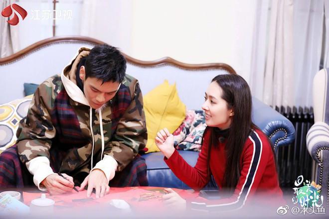 Bạn gái tin đồn của Seungri được con trai trùm showbiz Hong Kong cầu hôn, nhẫn kim cương khủng lộ diện - Ảnh 9.