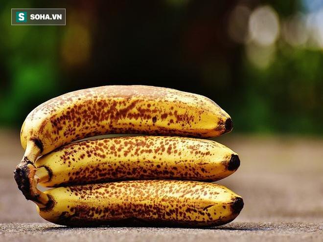 Chuối chín rục và chuối vừa chín tới, bạn nên chọn ăn quả nào: Sẽ có nhiều người chọn nhầm - Ảnh 1.
