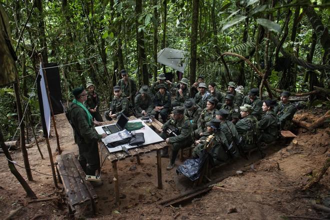 Nga đưa quân vào, Venezuela vẫn bất ổn, nhưng Colombia lại là nạn nhân? - Ảnh 4.