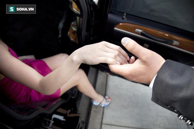 Đặc quyền của đàn ông có ngón trỏ ngắn hơn ngón đeo nhẫn: Phụ nữ chết mê - Ảnh 2.