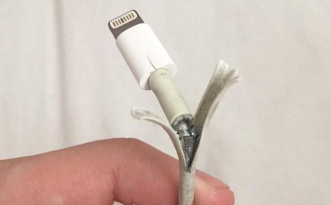 Cứ dùng iPhone là ghét thậm tệ thứ này, nhưng sự thật đằng sau lại là hành động cao cả của Apple