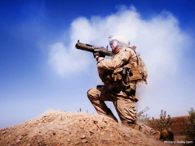"""Súng chống tăng M72 LAW - """"bùa hộ mệnh"""" của quân tiên phong Mỹ - Ảnh 7."""
