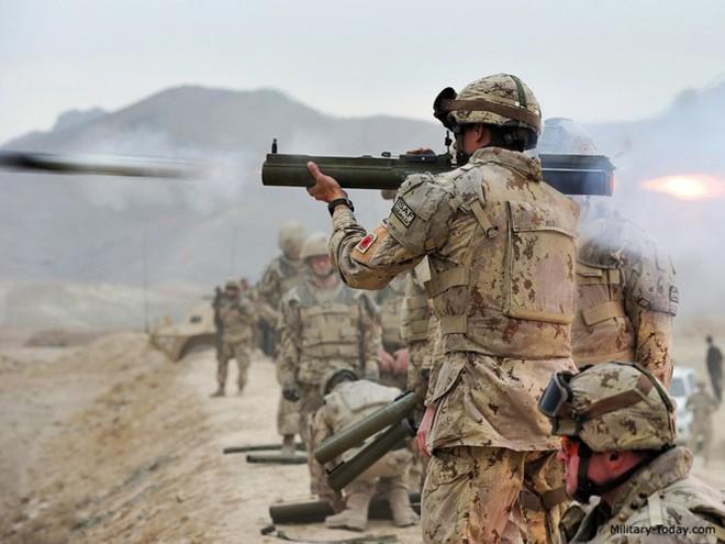 """Súng chống tăng M72 LAW - """"bùa hộ mệnh"""" của quân tiên phong Mỹ - Ảnh 8."""