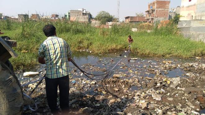 Chàng trai dành cả thanh xuân để hồi sinh mọi hồ nước tại Ấn Độ: Thế giới thực sự cần thêm nhiều người như anh - Ảnh 2.