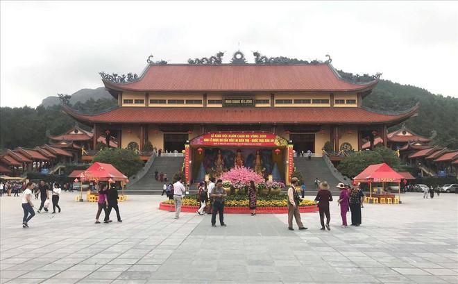 Vụ chùa Ba Vàng: Xem xét kỷ luật sư trụ trì vào tháng 4 - Ảnh 1.