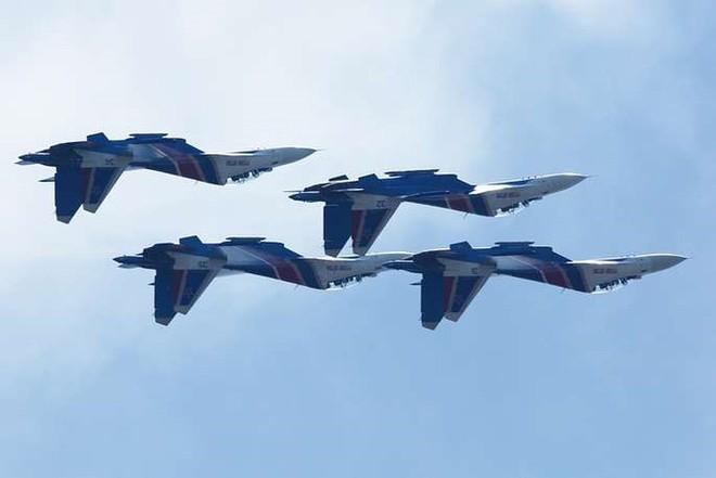 Cận cảnh dàn máy bay, tàu chiến khuấy đảo Triển lãm LIMA-2019 - Ảnh 8.