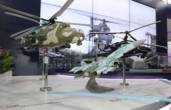 Cận cảnh dàn máy bay, tàu chiến khuấy đảo Triển lãm LIMA-2019 - Ảnh 10.