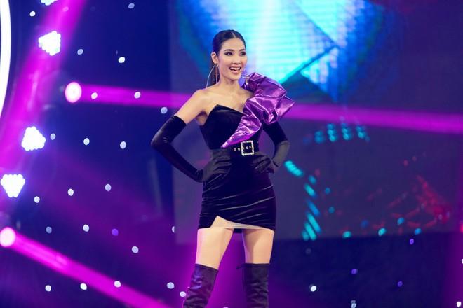 Sơn Tùng tái xuất khoe kiểu tóc mới, Hương Giang nhảy sexy - Ảnh 15.