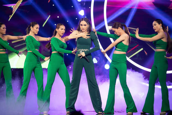 Sơn Tùng tái xuất khoe kiểu tóc mới, Hương Giang nhảy sexy - Ảnh 9.