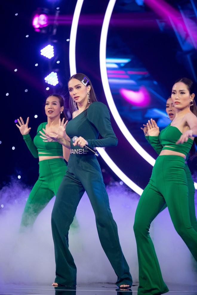 Sơn Tùng tái xuất khoe kiểu tóc mới, Hương Giang nhảy sexy - Ảnh 7.