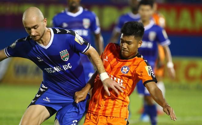 HLV Đà Nẵng thừa nhận Hà Đức Chinh khó cạnh tranh suất đá chính ở U23 Việt Nam