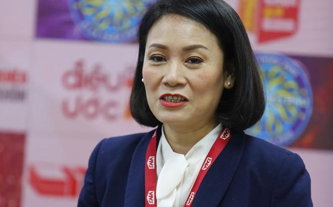"""Tạ Bích Loan """"đổi mới"""" VTV3 sau khi thay thế vị trí của MC Lại Văn Sâm"""