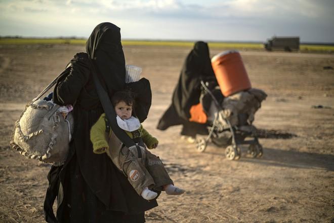 Đế chế IS sụp đổ, trùm khủng bố Baghdadi đã trốn vào sa mạc bất khả xâm phạm ở Syria? - Ảnh 2.