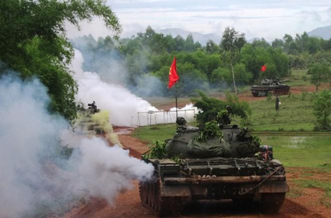 Tình huống không có trong giáo trình huấn luyện xe tăng: Hãy coi chừng! - Ảnh 2.