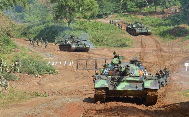 Tình huống không có trong giáo trình huấn luyện xe tăng: Hãy coi chừng!