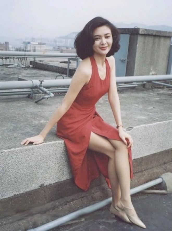 Tỷ phú phong lưu nhất Hong Kong: Chuyên săn mỹ nhân, U70 lấy thêm vợ đẹp kém 30 tuổi - Ảnh 7.