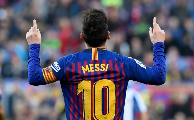 Messi khiến Camp Nou nổ tung trong ngày lập kỷ lục vô tiền khoáng hậu