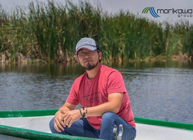 Người đàn ông này đã nghĩ ra ý tưởng thiên tài để làm sạch hồ nước bị ô nhiễm, và đó là thứ Trái đất đang rất cần - Ảnh 1.