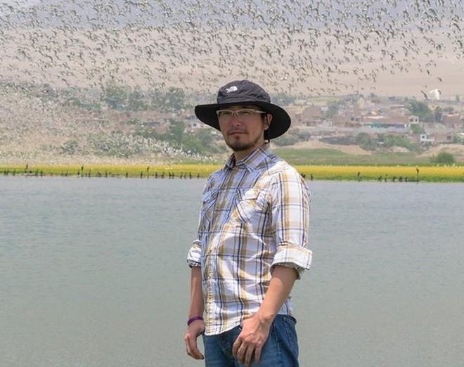 Người đàn ông này đã nghĩ ra ý tưởng thiên tài để làm sạch hồ nước bị ô nhiễm, và đó là thứ Trái đất đang rất cần - Ảnh 2.