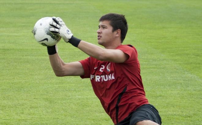 Thủ môn Việt kiều từng bắt cho CLB dự Champions League muốn đầu quân về ĐT Việt Nam