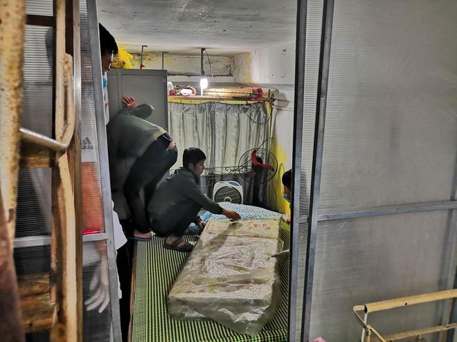 Nhân chứng kể phút cuồng loạn của gã thầy bói chém 4 người trong gia đình thương vong ở Nam Định - Ảnh 1.