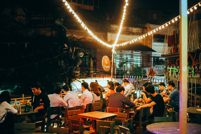 Bên trong Hostel phong cách dã chiến hút khách ngoại ở phố cổ Hà Nội - Ảnh 10.
