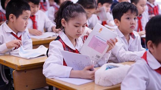 Đột nhập lớp học hai cao thủ tặng hoa Chủ tịch Kim Jong-un - Ảnh 13.