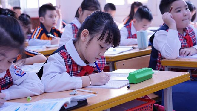 Đột nhập lớp học hai cao thủ tặng hoa Chủ tịch Kim Jong-un - Ảnh 8.