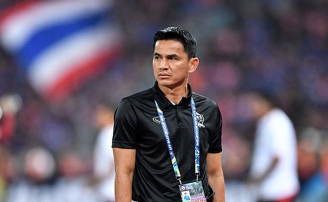 Muangthong United phản ứng trước viễn cảnh Kiatisak làm thầy Đặng Văn Lâm