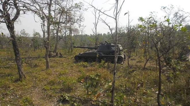 Pháo binh Lào bất ngờ tập trận với thần công 2S3 tương tự trong biên chế QĐND Việt Nam - Ảnh 2.