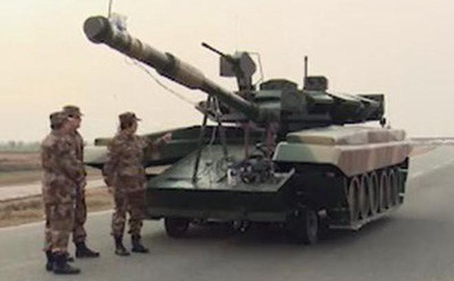 Trung Quốc tạo mô hình tăng T-90 của Nga để lính tập bắn?
