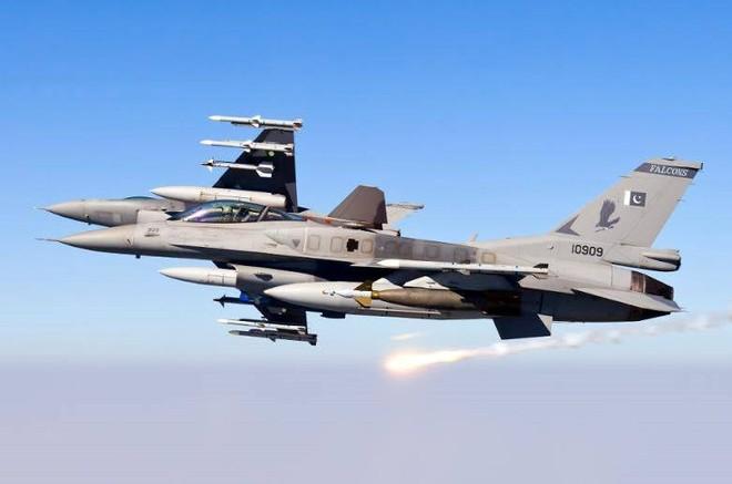 Tiêm kích F-16 thảm bại trước già gân MiG-21: Mỹ chết lặng - Thôi xong rồi! - Ảnh 3.